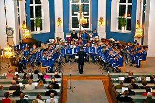Livgardets Dragonmusikkår i Åsenhöga under ledning av Jörgen Ådvall