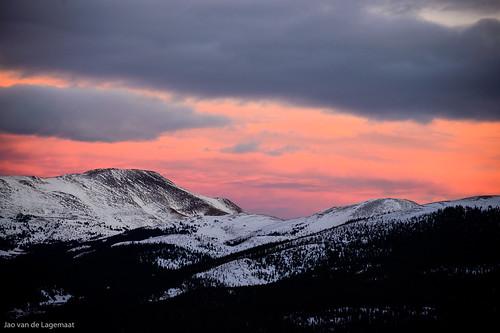 trees sunset usa sun mountain snow mountains clouds landscape colorado unitedstates northamerica breckenridge tenmilerange franciescabin