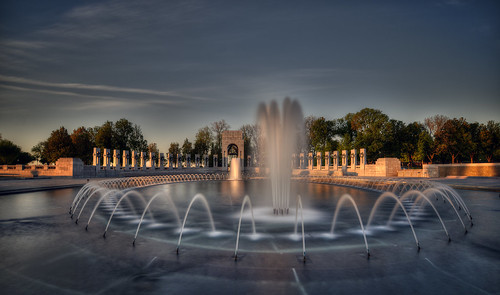 longexposure fountain sunrise dawn washingtondc dc districtofcolumbia nikon nationalmall wwiimemorial scottmcleod nikond800 dscottmcleod