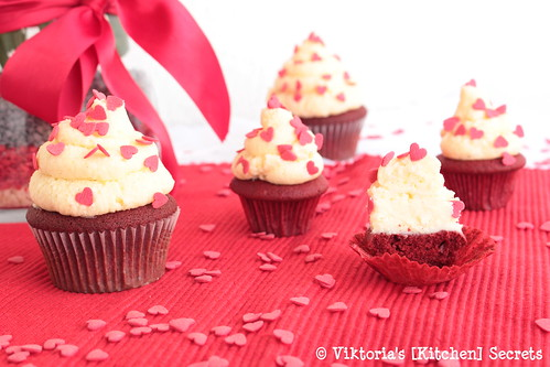 Red Velvet Cupcakes, Viktoria's [Kitchen] Secrets