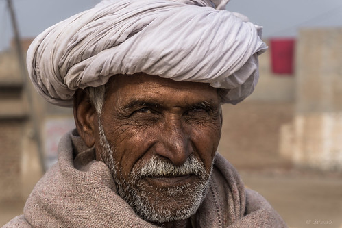 street pakistan portrait man village islam traditional culture streetphotography worker punjabi resident pujab villagedweller