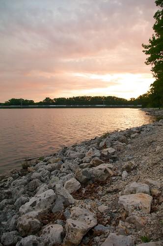 sunset water day cloudy cedarlake cedarrapids smcpentaxda1855mmf3556al