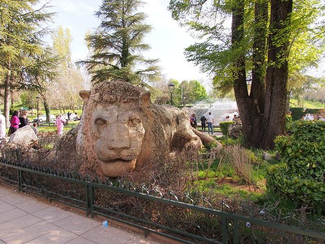 石雕的大獅子