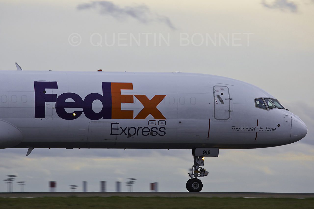 Federal Express (FedEx) Boeing 757-23A(SF) N918FD