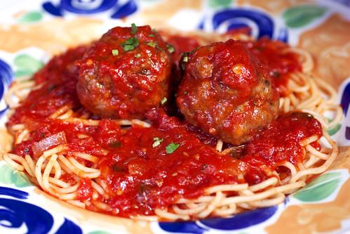 spaghetti w/ meatballs @ lanza's
