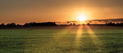 orange photoshop jaune automne canon eos soleil champs ciel paysage campagne couchant brume lightroom 6d 24105 24105mm soleillevant ef24105mmf4lisusm eos6d
