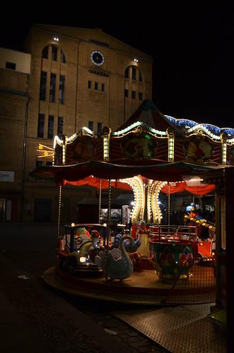 Lucia Weihnachtsmarkt Berlin carousel