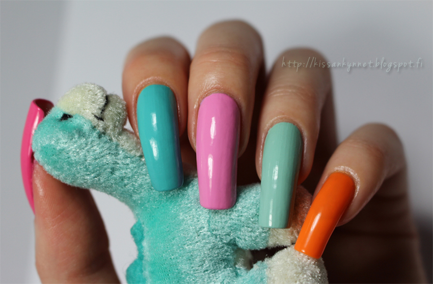 Colorful nails1