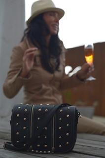 Unsere Handtaschen aus Berlin mit Nieten verziert