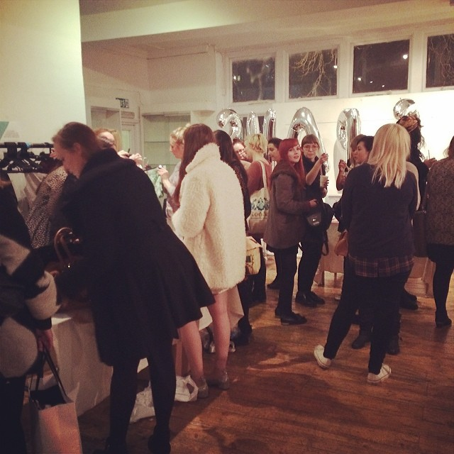 Lots of gorgeous bloggers at the #vcswapshop14