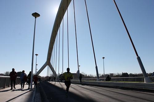 2014.02.23.169 - SEVILLA - Puente de la Barqueta - (XXX Maratón de Sevilla)