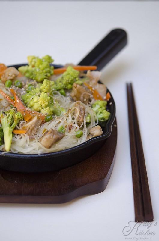 spaghetti di riso con maiale e verdure_7615