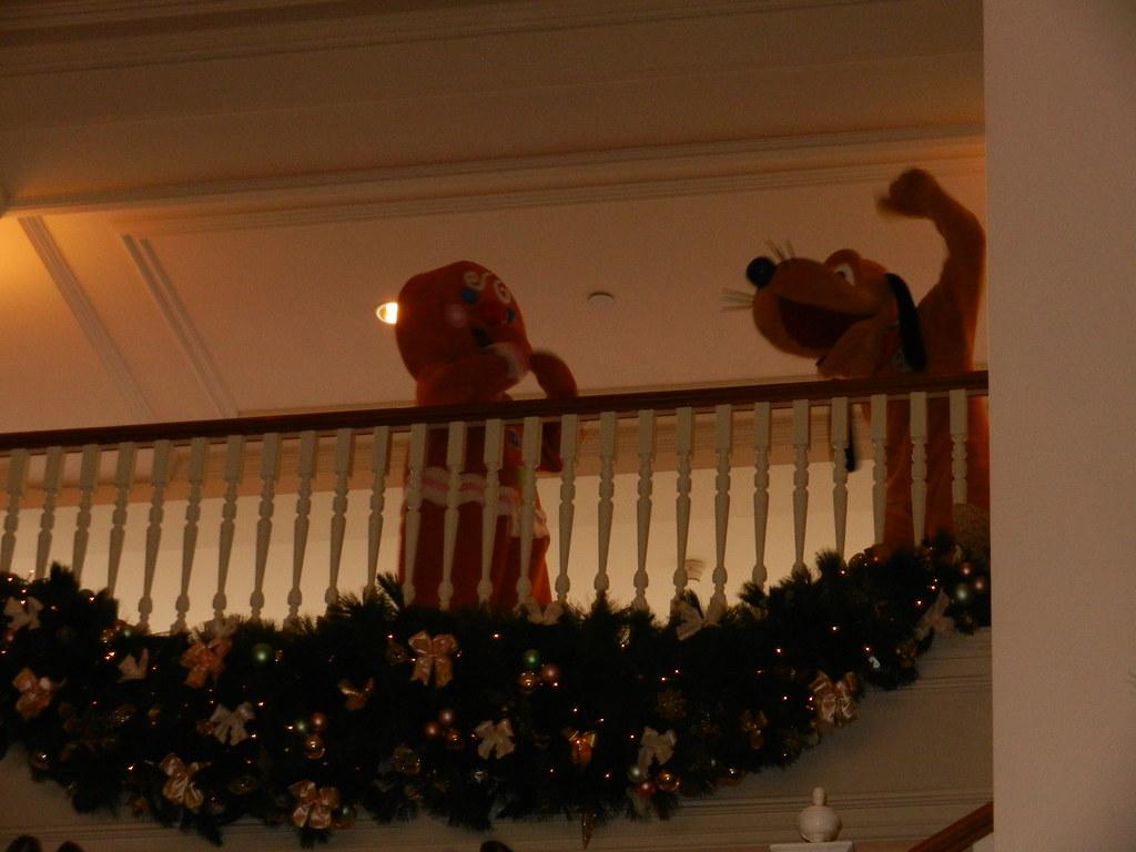 Un séjour pour la Noël à Disneyland et au Royaume d'Arendelle.... - Page 7 13899114601_01237bc9eb_b