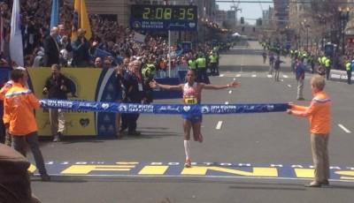 Bostonský maraton: 36.000 běžců a ženský traťový rekord