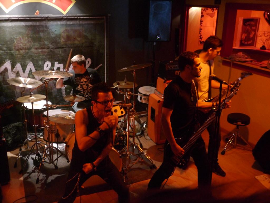 related image - Concert Drop Your Pants - Troop MC - La Garde - 2014-05-30- P1860154