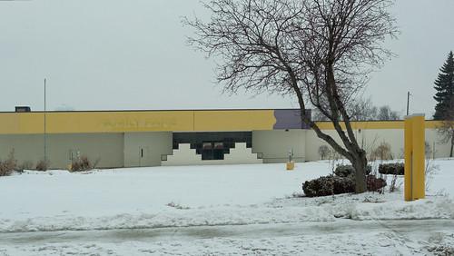 winter snow building tree weather store nikon parkinglot michigan v2 streetview grandledge 2015 commercialbuilding eatoncounty 1v2 nikon1v2