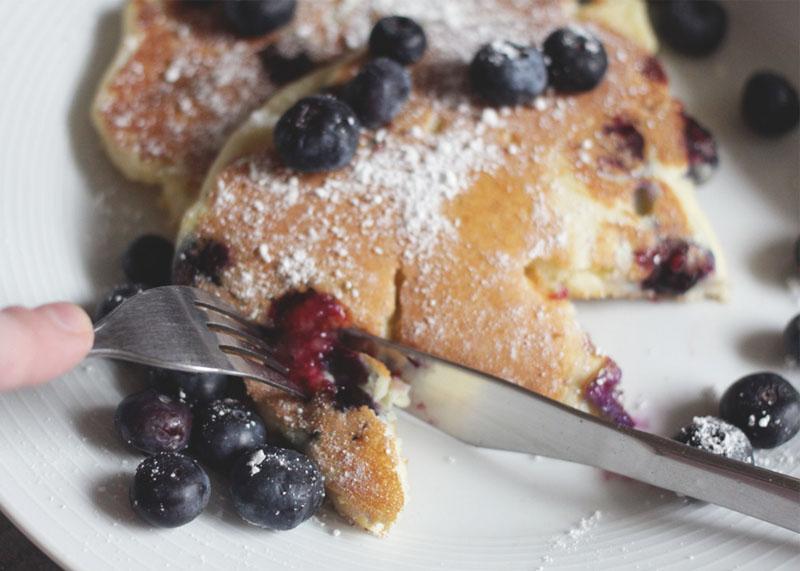 How to make blueberry pancakes, Bumpkin Betty