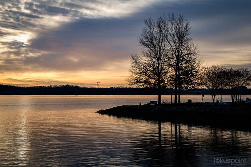 morning winter sun water alexandria weather clouds sunrise river landscape virginia unitedstates potomac alexandriava oronocobaypark colorfx