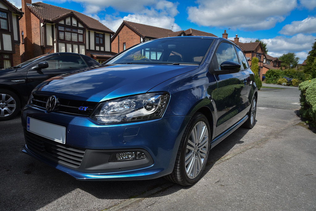 two cars one weekend the new polo blue gt arrives uk polos net the vw polo forum. Black Bedroom Furniture Sets. Home Design Ideas