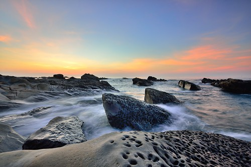 台灣 taiwan formosa 台東 富岡 小野柳 shiauyeliou 太平洋 日出 sunrise nikon d800e afs1635mmf4 東海岸 海灘 奇岩怪石