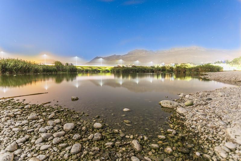 Anochece en la desembocadura del rio Algar