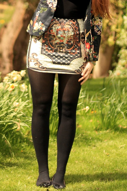 OOTD, outfit of the day, floral blazer, black top, miniskirt, tights, black flats