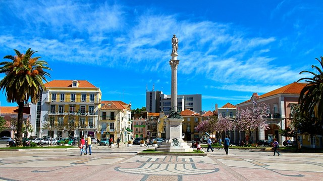 Setubal Square - Spring!