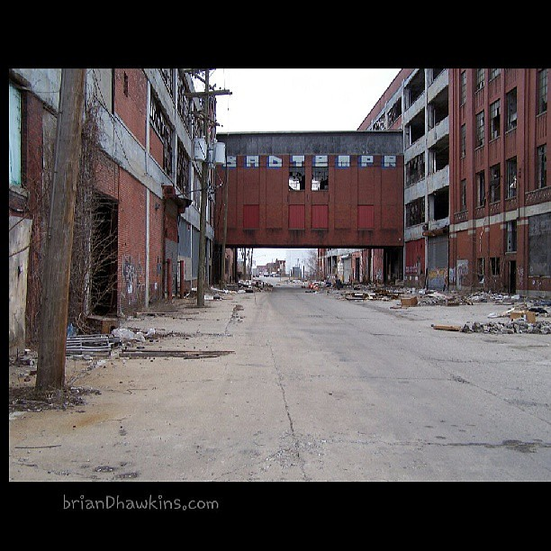 20 Photos of Urban Decay in Detroit
