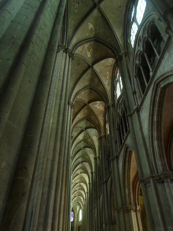 Endless vaults, St. Etienne de Bourges