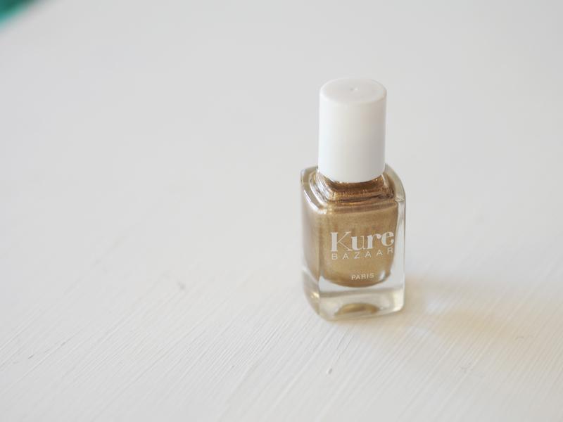 kure bazaar kultainen kynsilakka