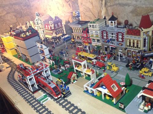 My Lego City - Page 5 10739870523_700e81fd88