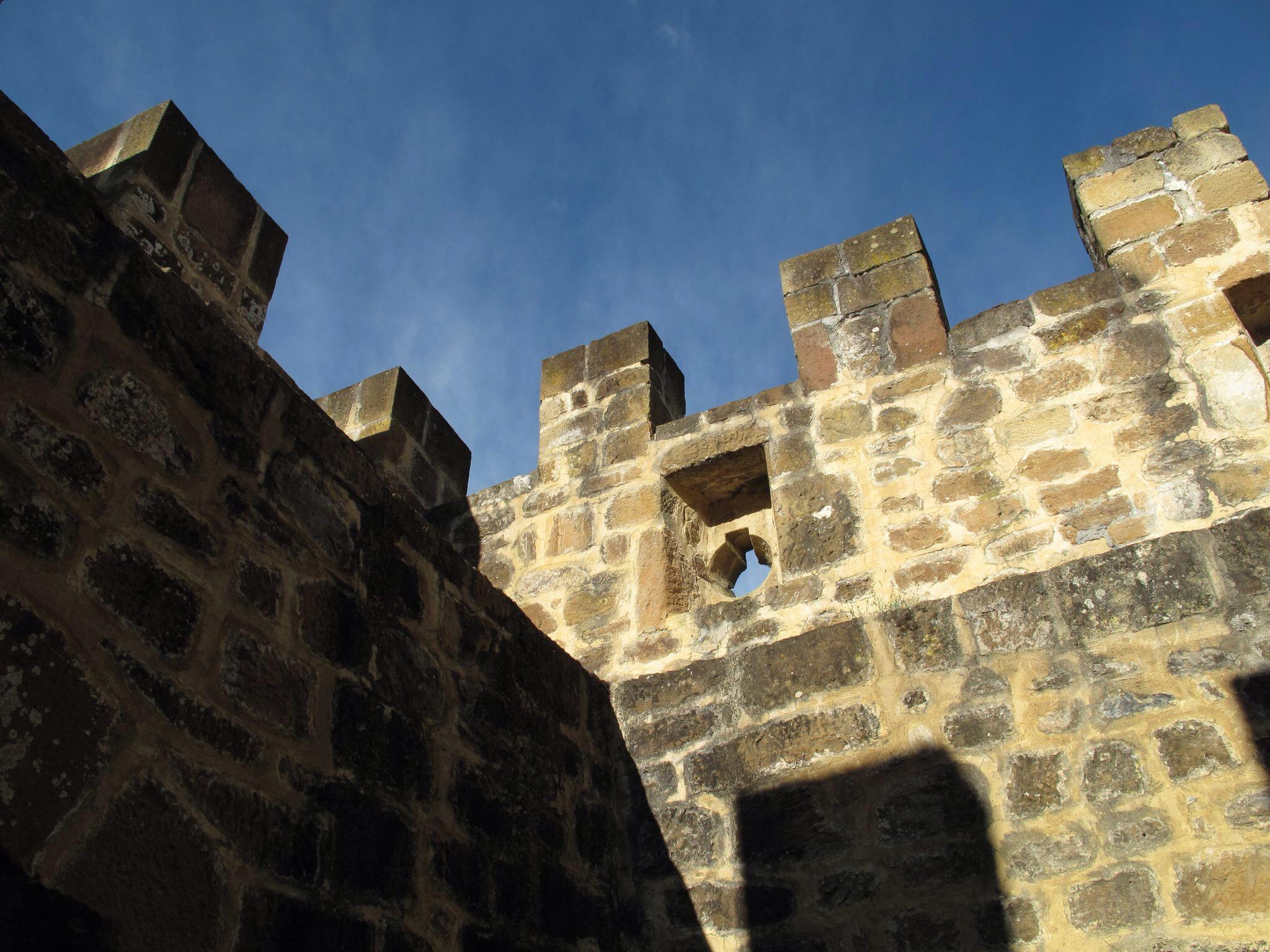 castillo de muñatones_almenas_restauración_troneras