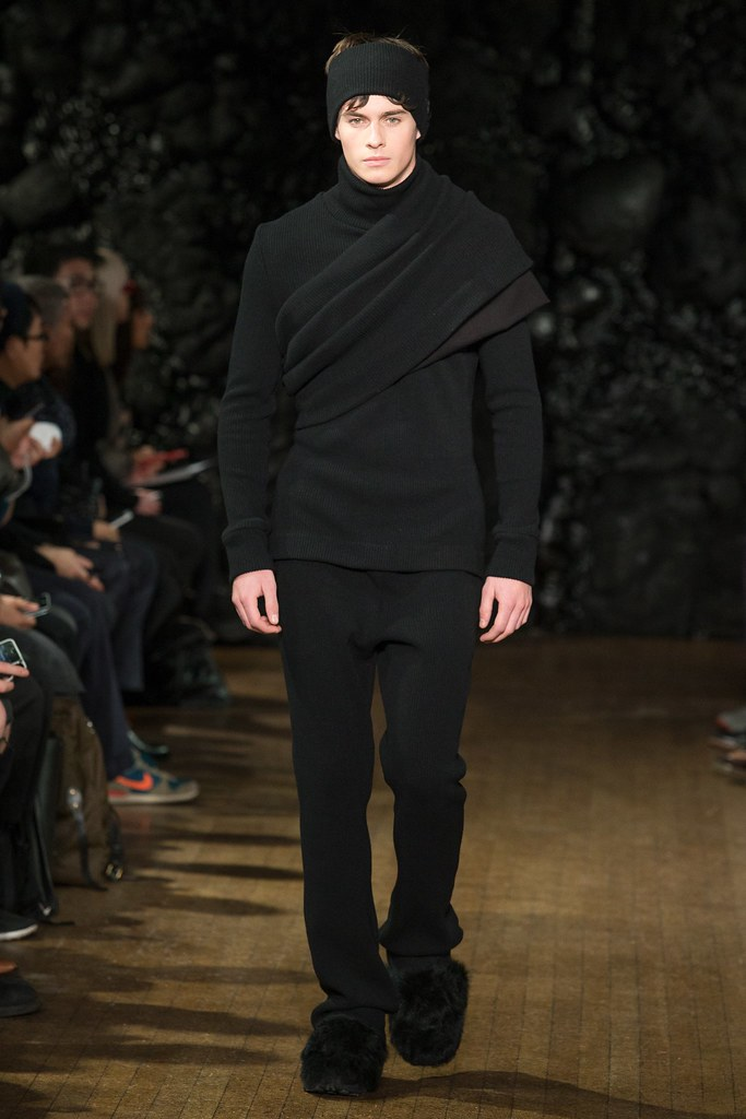 FW14 London Xander Zhou013_Joe Collier(VOGUE)