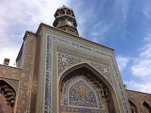 Puerta del Santuario de Imam Reza en Mashhad (Irán)