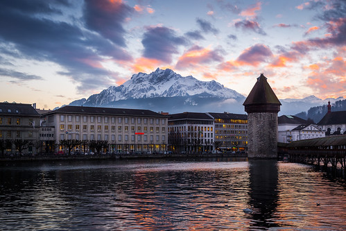 city travel bridge sunset sky mountain lake landscape switzerland cityscape dramatic chapel landmark traveller pilatus lucerne chapelbridge kapellbrücke mtpilatus