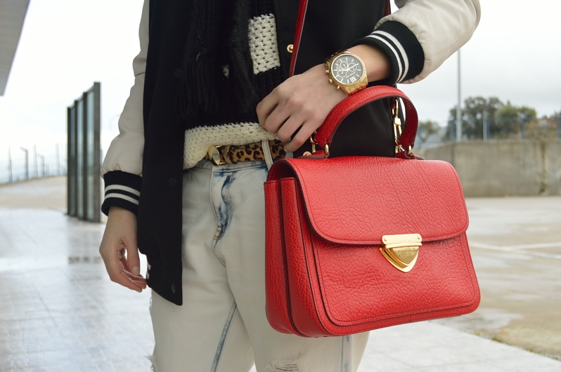lara-vazquez-madlula-blog-red-bag-details-leopard-belt