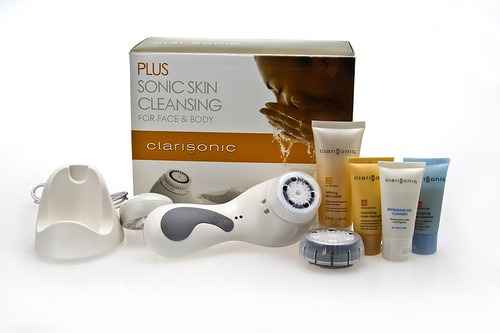 clarisonic-plus-sonic-skin-cleansing-system-white