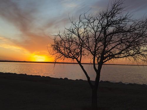 sunset lake oklahoma landscape day silhoutte oklahomacity lakehefner nikviveza topazclarity pwpartlycloudy