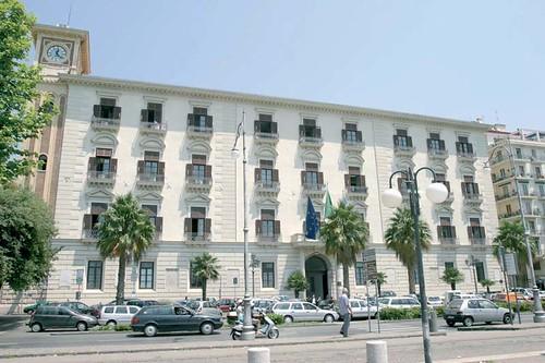 Appalti e mazzette alla Provincia di Salerno, nei guai 79 persone. Più di 60 gare d'appalto truccate