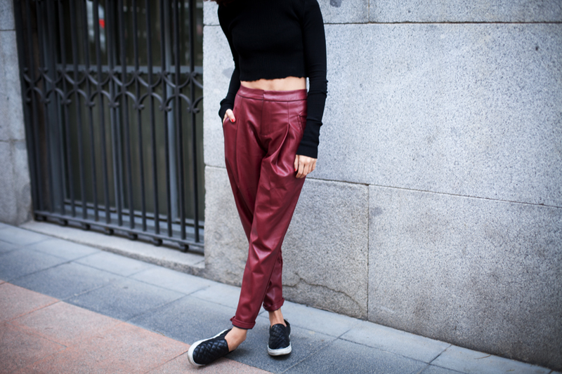 leather-burgundy-pants-008
