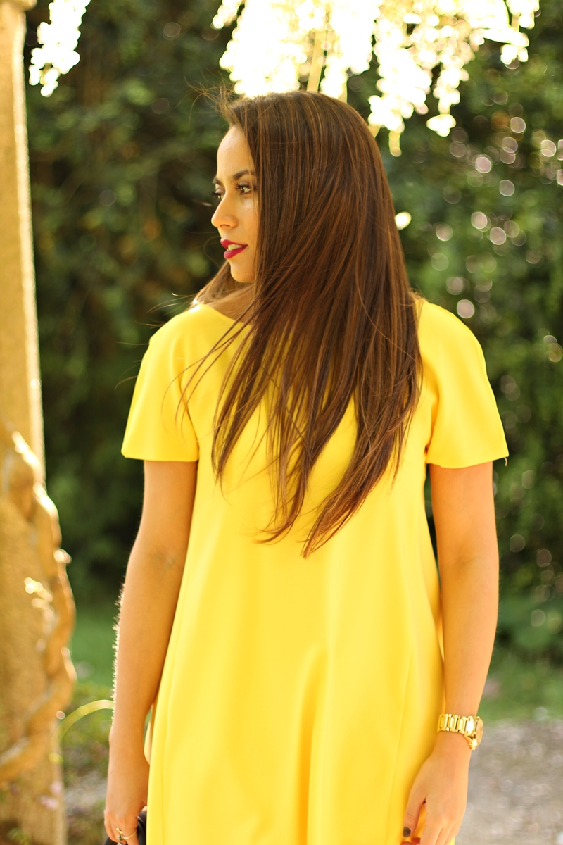 vestido amarillo monday to friday