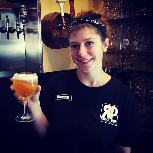 Stop by Rogue Pub and have Raina pour you a La Guillotine Belgian Blonde Ale on tap!  Poker starts at 8p!  #roguepuborlando #craftbeer #laguillotine #huyghebrewery #comedrinkwithus