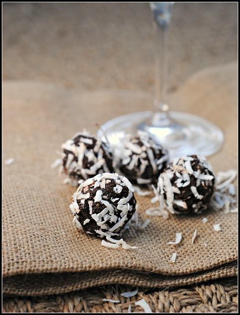 cocoadatetruffles2
