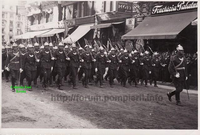 defilarea pompierilor militari pe Calea Victoriei cu ocazia centenarului 1835- 10 mai 1935