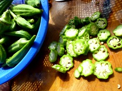 cutting-okra
