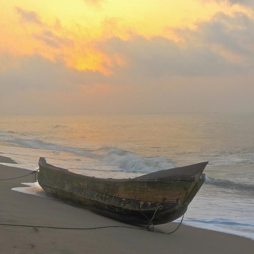 sunrise boat fishingboat gulfofguinea elminaghana cardiostart