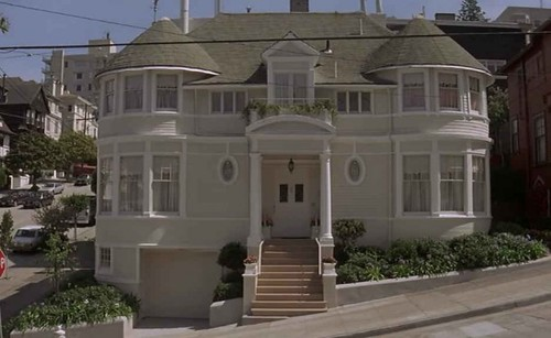 Mrs.-Doubtfire-house-wide-shot-611x375