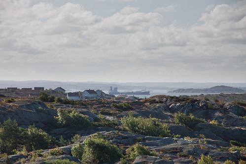 clouds morninglight seaside ship sweden götaland andalen glasseyesview
