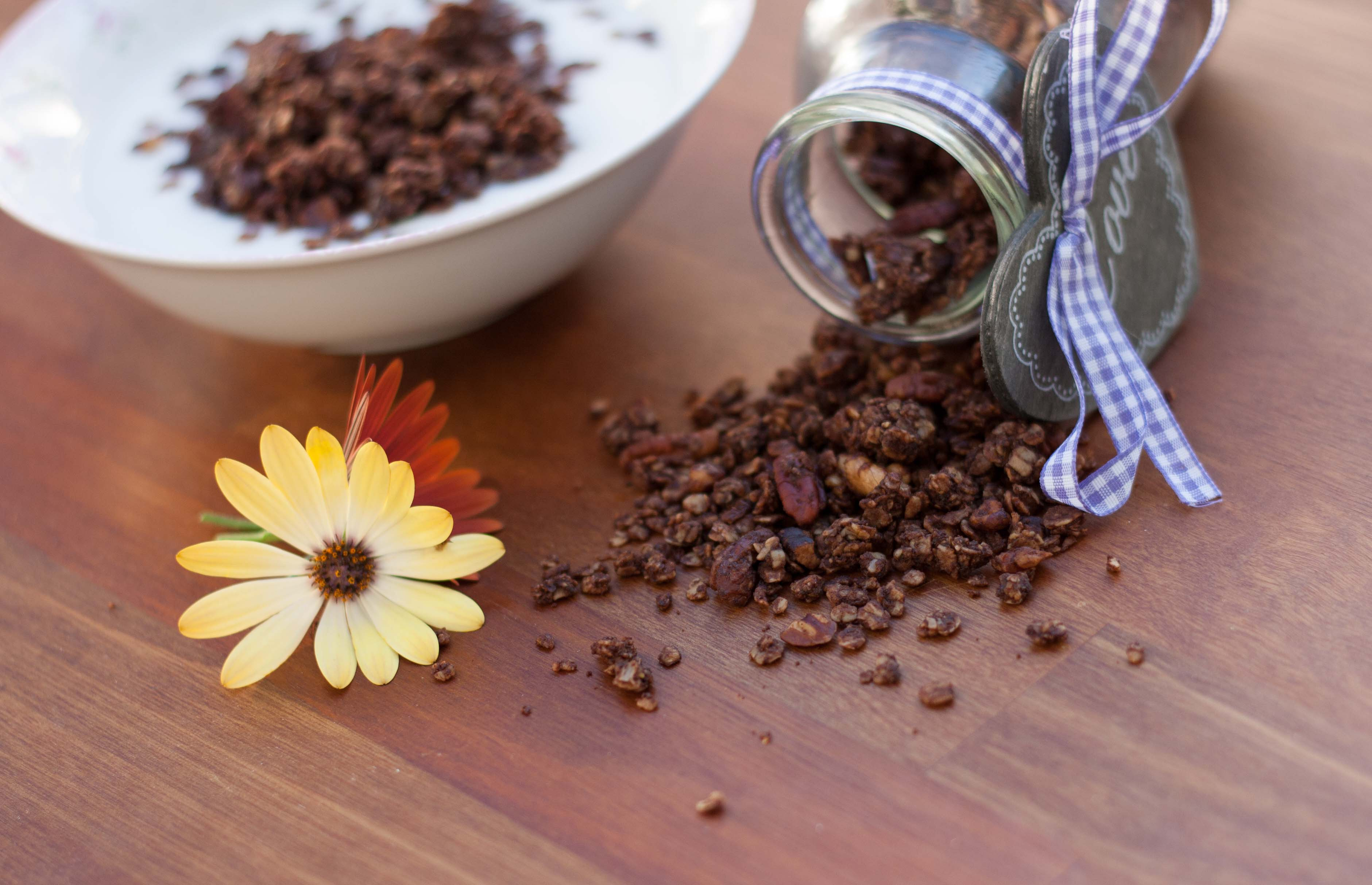 Crunchy Muesli with Cocoa // Chocolate Granola recipe 9