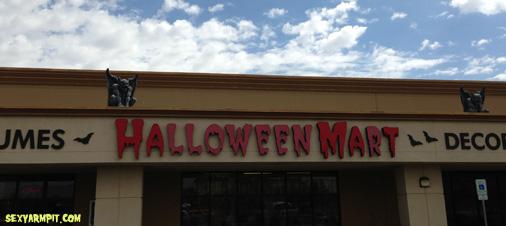 halloweenmart01